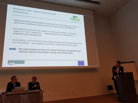 Eise Spijker from JIN presenting How policy and spatial planning risks affecting energy transition can be addressed