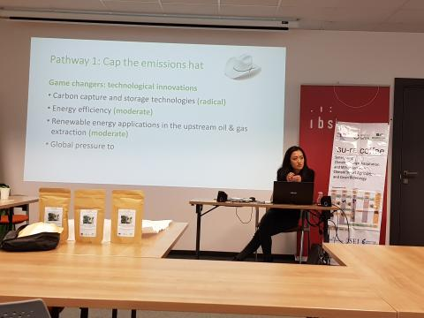 Jenny Lieu presenting low carbon emission pathways from TRANSrisk case studies in UK and Canada
